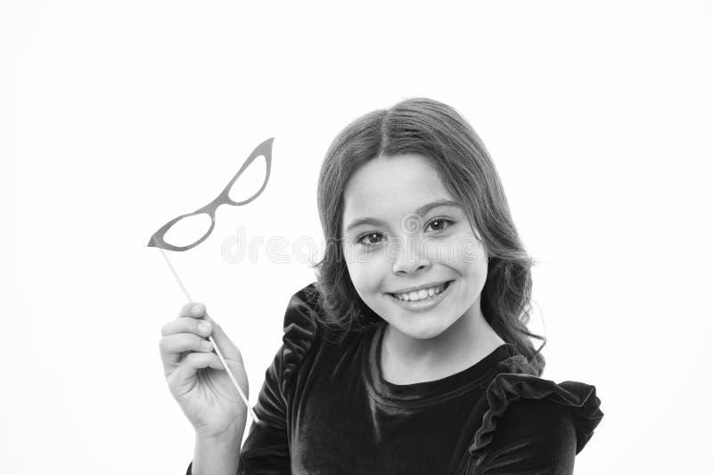 Παιδική ηλικία και ευτυχία μικρό καλοκαίρι χαιρετισμού κοριτσιών r Μόδα και ύφος παιδιών Μικρό κορίτσι στα γυαλιά κομμάτων στοκ εικόνες με δικαίωμα ελεύθερης χρήσης