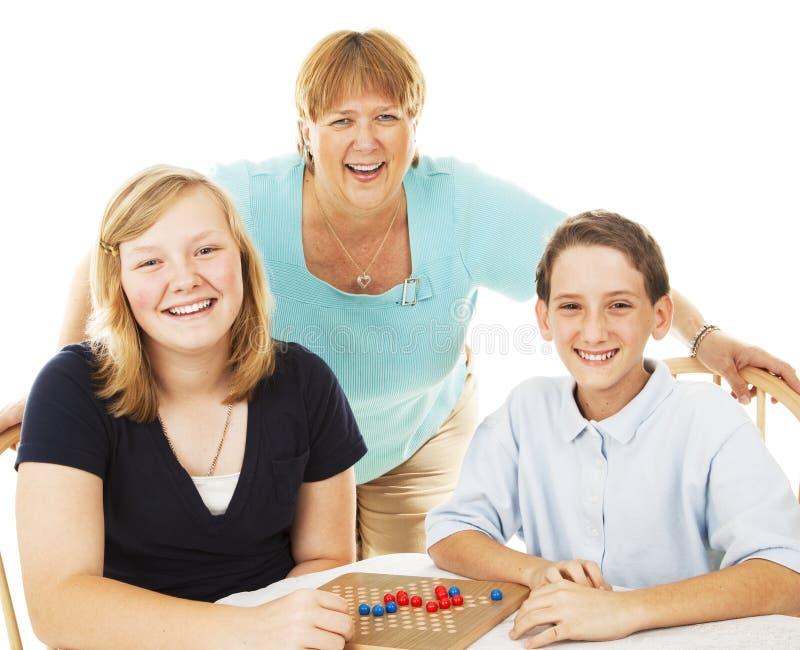 παιχνίδια οικογενειακή& στοκ φωτογραφία