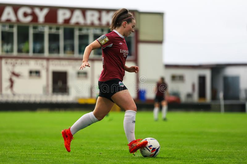 Παιχνίδι Εθνικού Πρωταθλήματος γυναικών: Galway WFC εναντίον Peamount που ενώνεται στοκ φωτογραφία