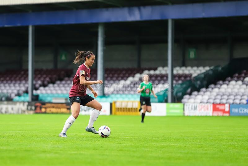 Παιχνίδι Εθνικού Πρωταθλήματος γυναικών: Galway WFC εναντίον Peamount που ενώνεται στοκ εικόνες
