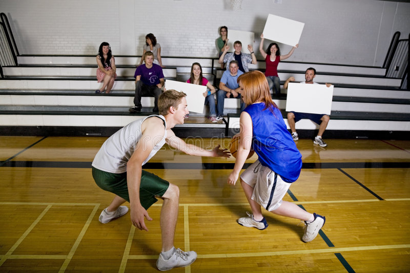 παιχνίδι καλαθοσφαίριση& στοκ εικόνες με δικαίωμα ελεύθερης χρήσης