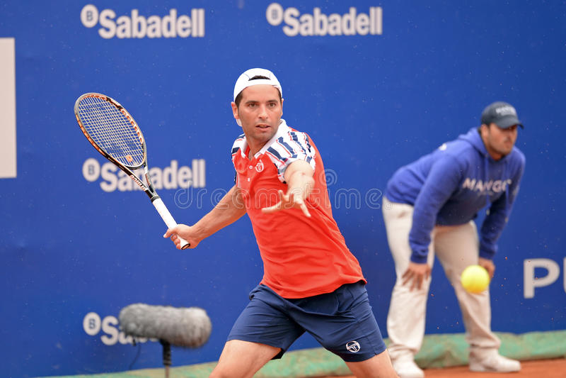 Παιχνίδια Αλβέρτου Montanes (ισπανικός τενίστας) στο ATP Βαρκελώνη στοκ φωτογραφία