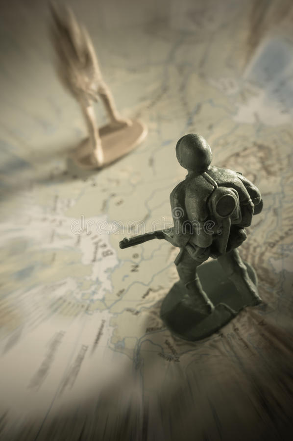 Download Παιχνίδια στρατιωτών στο χάρτη, πολεμική έννοια Στοκ Εικόνα - εικόνα από arno, στρατιωτικός: 62715717