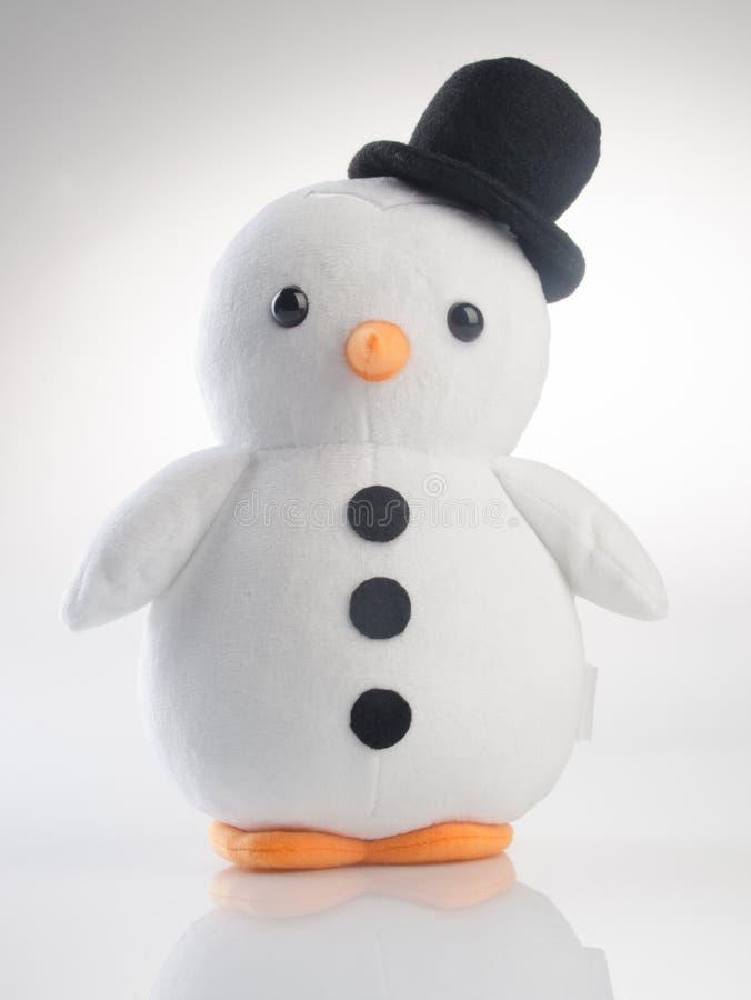 παιχνίδι ή αστείο χειροποίητο παιχνίδι penguins στο υπόβαθρο στοκ εικόνες με δικαίωμα ελεύθερης χρήσης