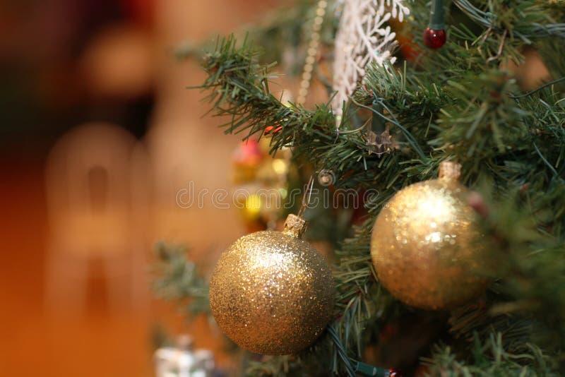 Παιχνίδι διακοσμήσεων χριστουγεννιάτικων δέντρων στοκ φωτογραφίες με δικαίωμα ελεύθερης χρήσης