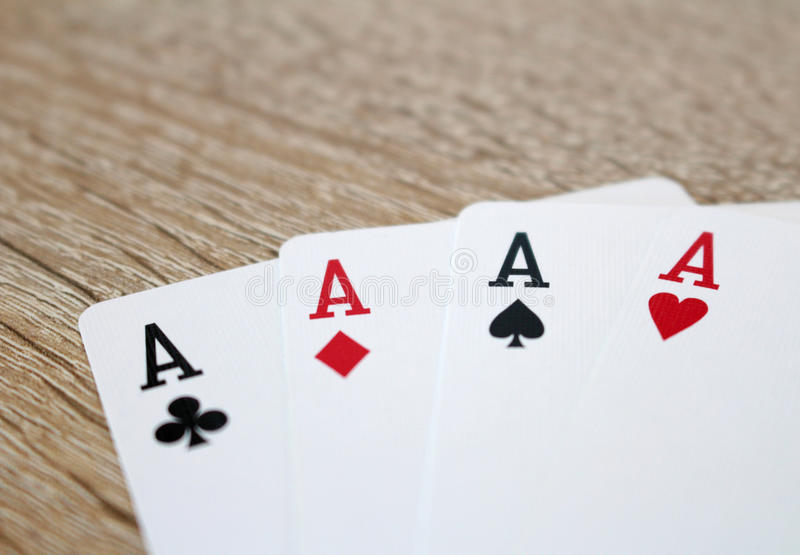 Παιχνίδι πόκερ με τους άσσους, τέσσερα από ένα είδος στοκ εικόνες