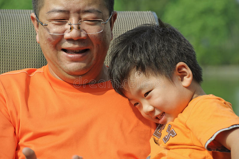 Παιδί και ο πατέρας του στοκ εικόνες