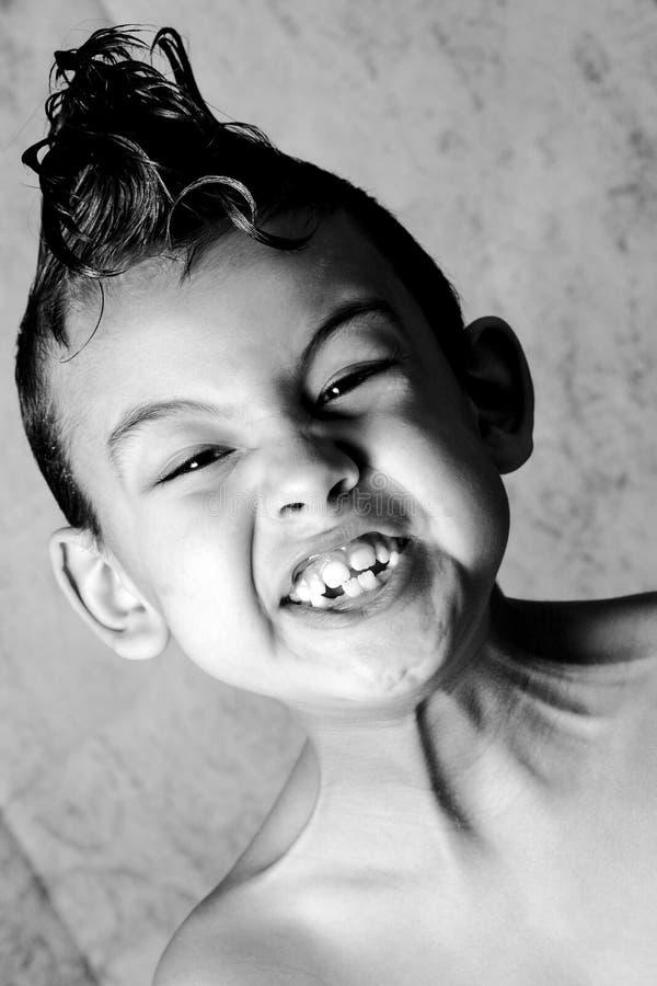 Παιδί και δροσερό κούρεμα στοκ εικόνα με δικαίωμα ελεύθερης χρήσης