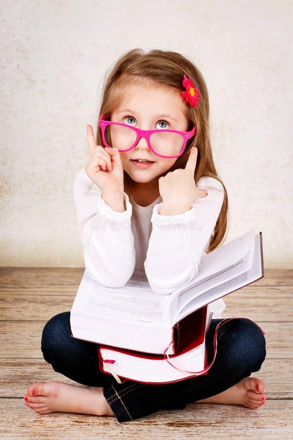 Παιδί που έχει μια ιδέα στοκ φωτογραφία με δικαίωμα ελεύθερης χρήσης