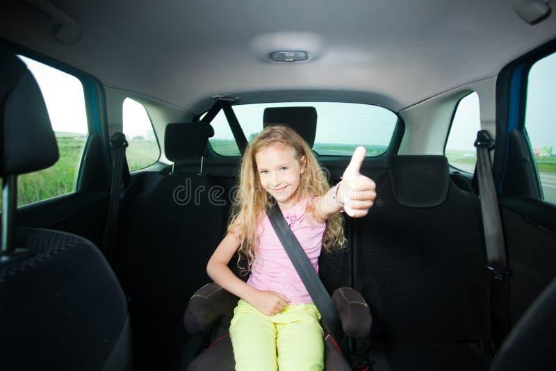 Παιδί στο αυτοκίνητο στοκ εικόνες με δικαίωμα ελεύθερης χρήσης