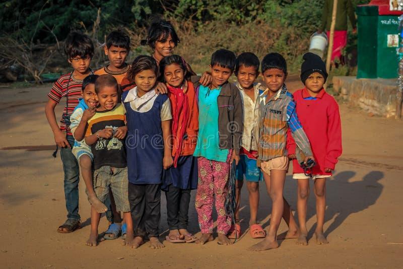Παιδιά Ινδία τρωγλών στοκ φωτογραφίες