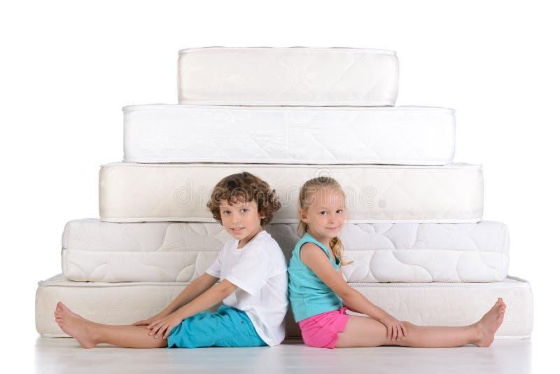 Παιδιά και πολλά στρώματα στοκ εικόνα με δικαίωμα ελεύθερης χρήσης