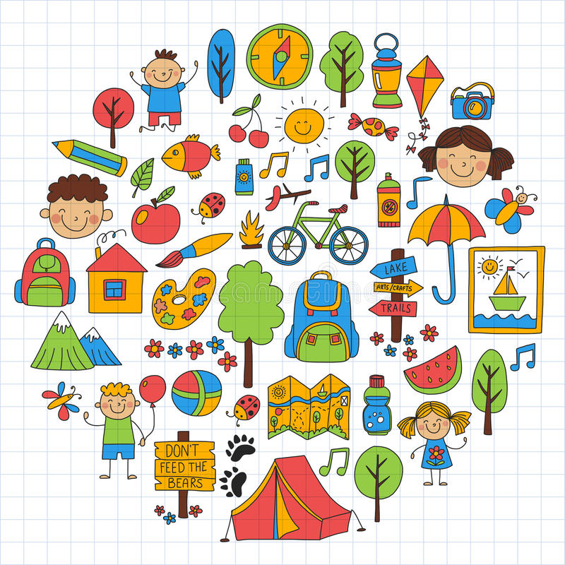 Παιδιά καλοκαιρινό εκπαιδευτικό κάμπινγκ, παιχνίδια παιδιών στρατοπέδευσης παιδιών, που, τραγουδώντας, αλιεύοντας, περπατώντας, σ ελεύθερη απεικόνιση δικαιώματος