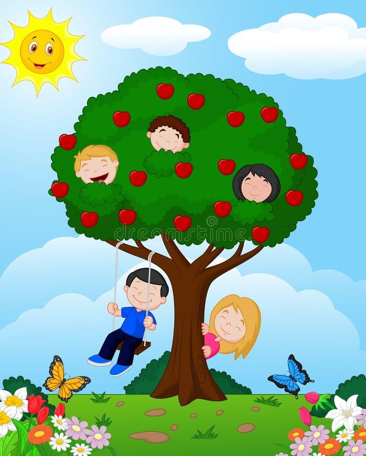 Παιδιά κινούμενων σχεδίων που παίζουν την απεικόνιση σε ένα δέντρο μηλιάς ελεύθερη απεικόνιση δικαιώματος