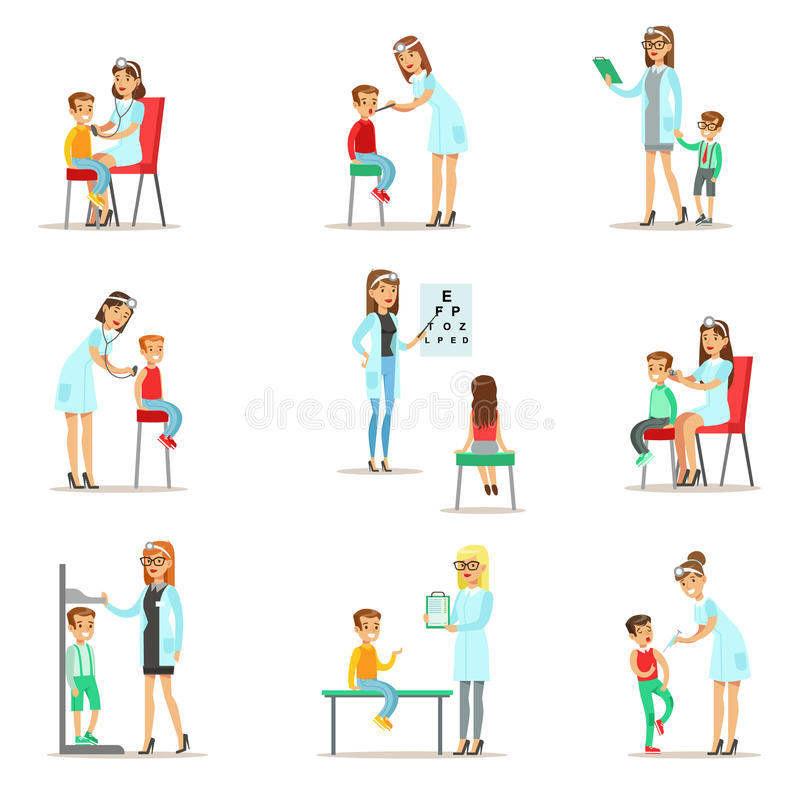 Παιδιά στην ιατρική εξέταση με τους θηλυκούς γιατρούς παιδιάτρων που κάνουν τη φυσική εξέταση για την προσχολική υγεία ελεύθερη απεικόνιση δικαιώματος