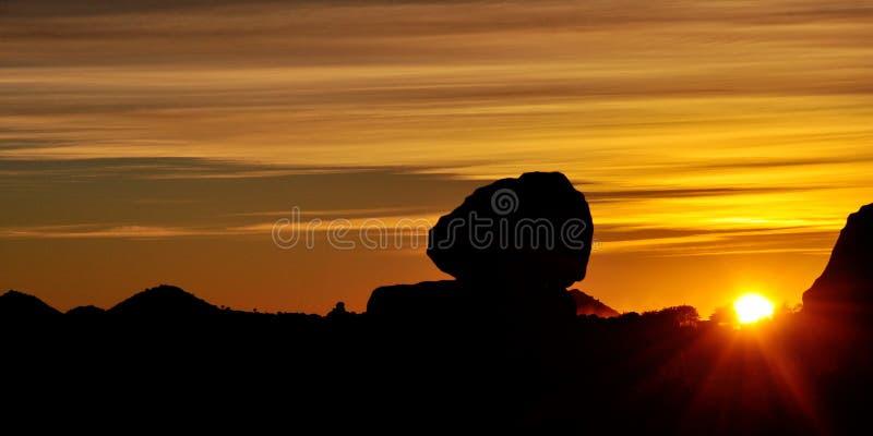Παιδική χαρά γίγαντα στο ηλιοβασίλεμα, Keetmanshoop, Ναμίμπια, Αφρική στοκ εικόνες