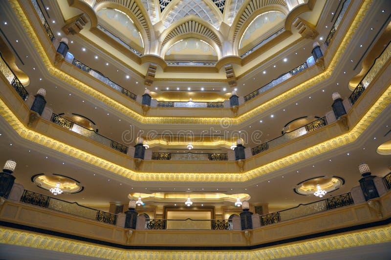 Download παλάτι εμιράτων του Αμπού Ν&t Στοκ Εικόνες - εικόνα από πολυτέλεια, araceli: 13175736