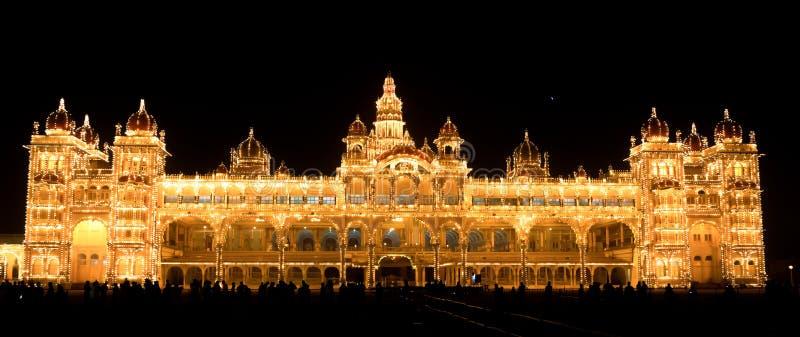 παλάτι νύχτας του Mysore στοκ φωτογραφίες