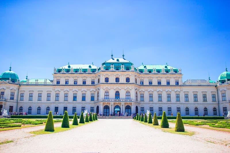 Παλάτι πανοραμικών πυργίσκων το καλοκαίρι, Βιέννη, Αυστρία στοκ φωτογραφία
