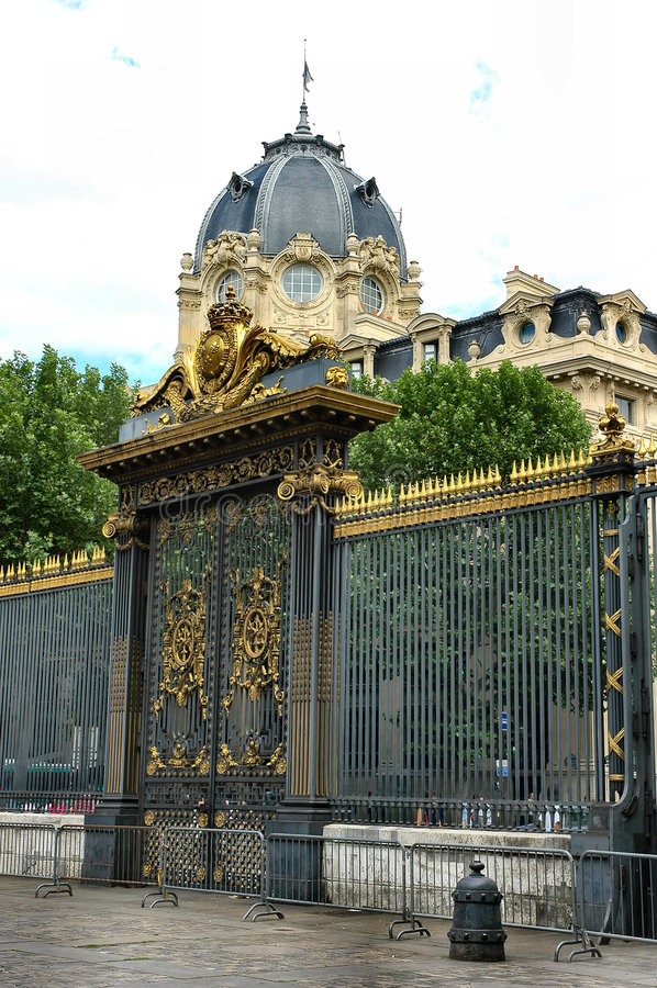 παλάτι πυλών στοκ φωτογραφία με δικαίωμα ελεύθερης χρήσης