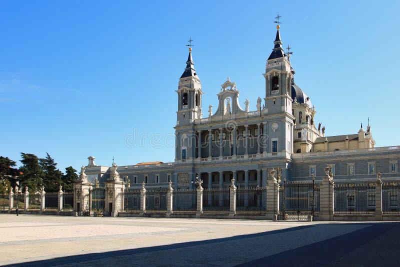 παλάτι της Μαδρίτης βασιλικό στοκ φωτογραφίες με δικαίωμα ελεύθερης χρήσης