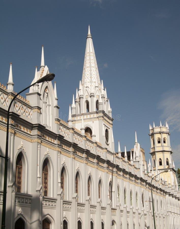 Παλάτι του νεω γοτθικού κτηρίου ακαδημιών στο στο κέντρο της πόλης ιστορικό κέντρο Βενεζουέλα του Καράκας στοκ εικόνα με δικαίωμα ελεύθερης χρήσης