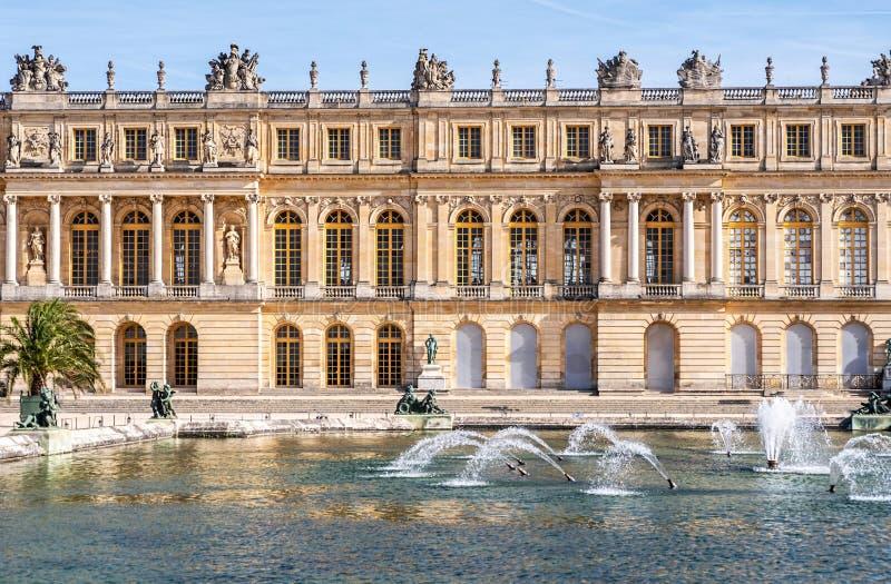 Παλάτι de Βερσαλλίες το μέσο φθινόπωρο στοκ φωτογραφία