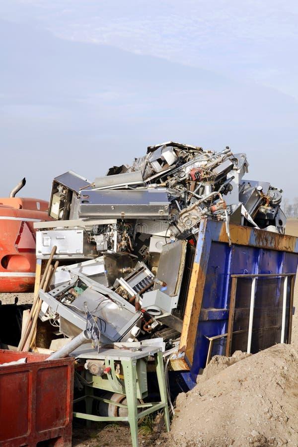παλαιά ανακύκλωση μετάλλ στοκ εικόνα