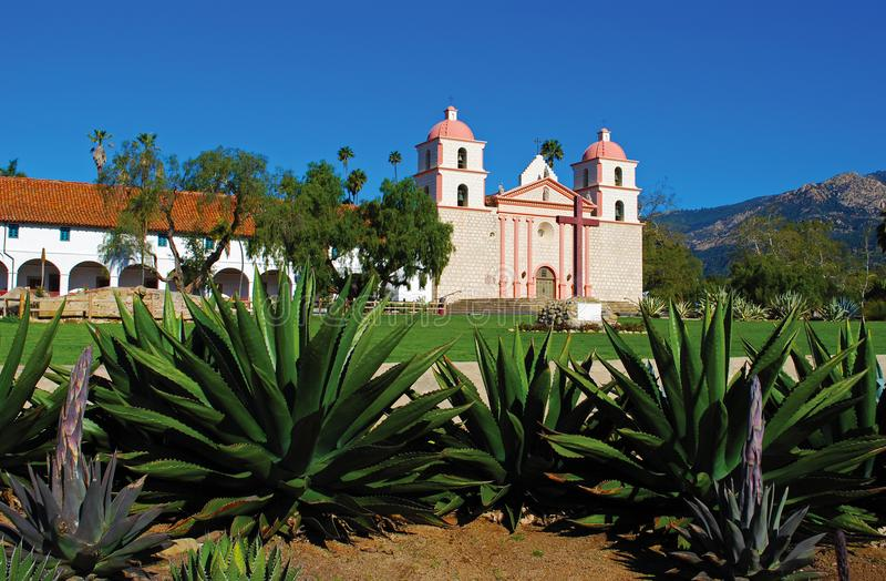 Παλαιά αποστολή Santa Barbara στοκ εικόνα με δικαίωμα ελεύθερης χρήσης
