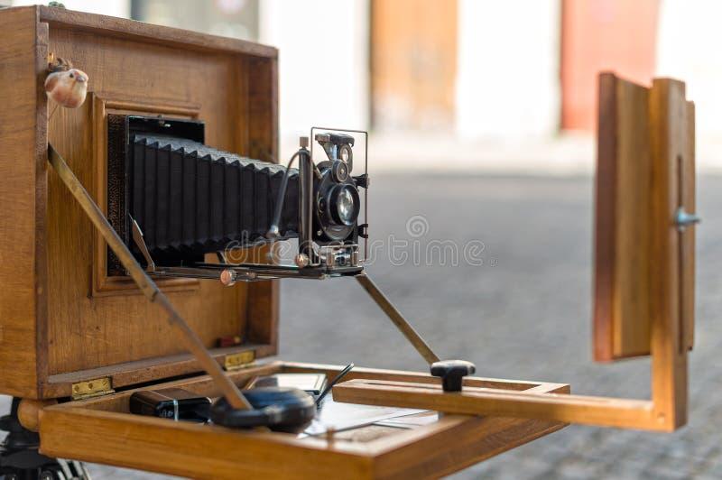 Παλαιά εκλεκτής ποιότητας διπλώνοντας κάμερα στοκ εικόνες με δικαίωμα ελεύθερης χρήσης