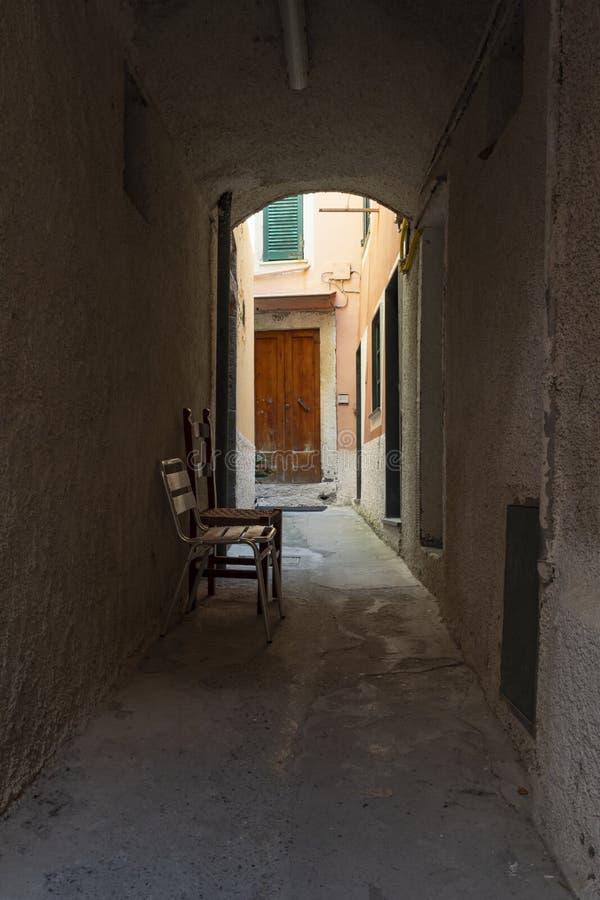 Παλαιά ιταλική αλέα στοκ φωτογραφία με δικαίωμα ελεύθερης χρήσης