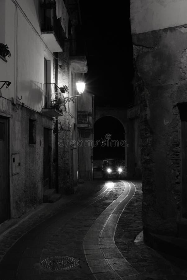 Παλαιά ιταλική του χωριού οδός στοκ φωτογραφίες με δικαίωμα ελεύθερης χρήσης