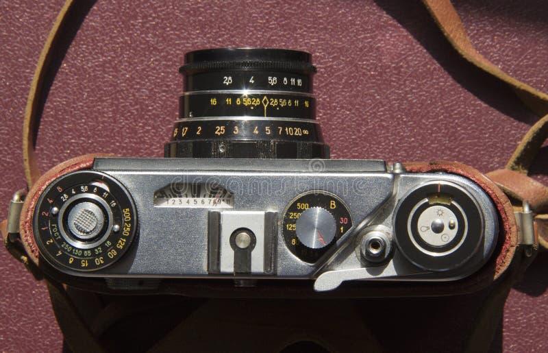 Παλαιά κάμερα ταινιών στον πίνακα στοκ φωτογραφία με δικαίωμα ελεύθερης χρήσης