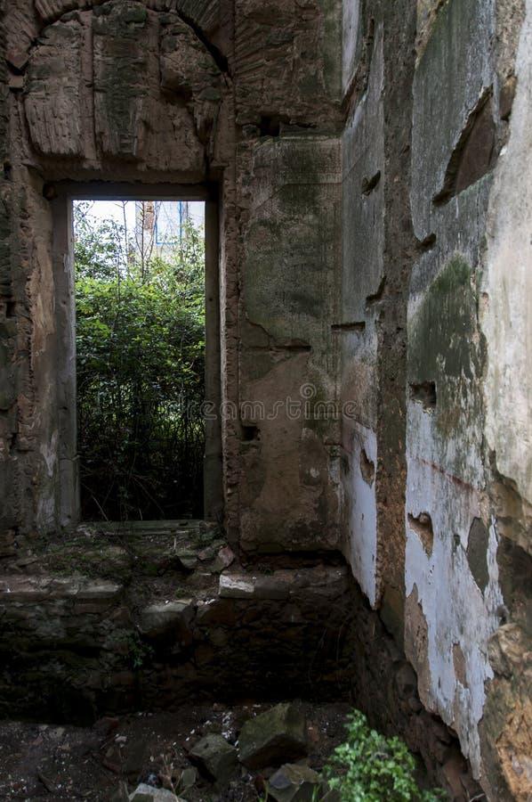 Παλαιά και εγκαταλειμμένα παλάτια στοκ φωτογραφία με δικαίωμα ελεύθερης χρήσης
