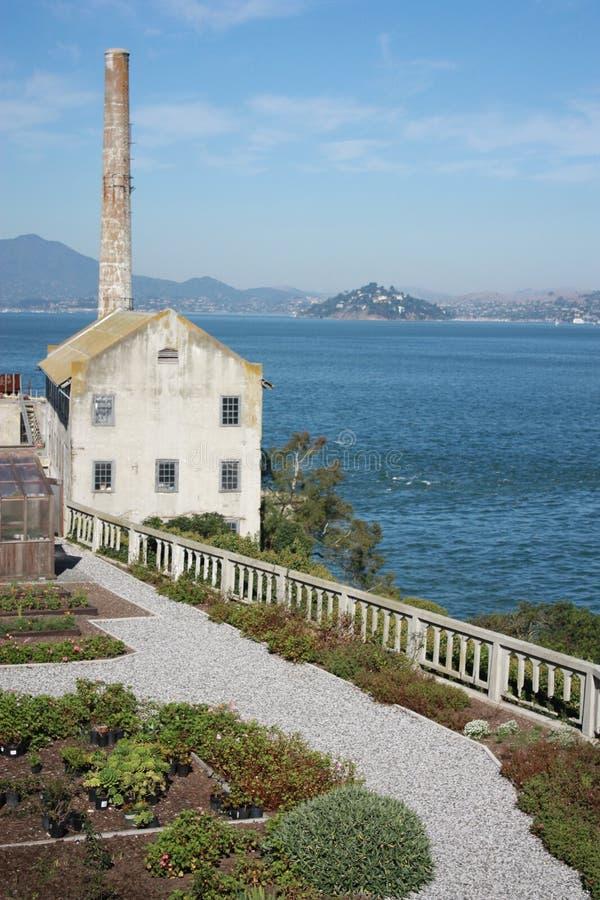 Παλαιά καπνοδόχος φυλακών Alcatraz στοκ φωτογραφία