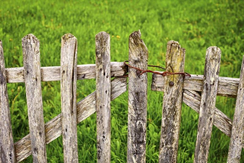 Παλαιά ξύλινη πύλη στοκ εικόνες με δικαίωμα ελεύθερης χρήσης