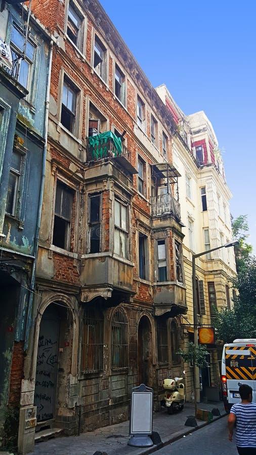 Παλαιά οικοδόμηση της Ιστανμπούλ στοκ εικόνες