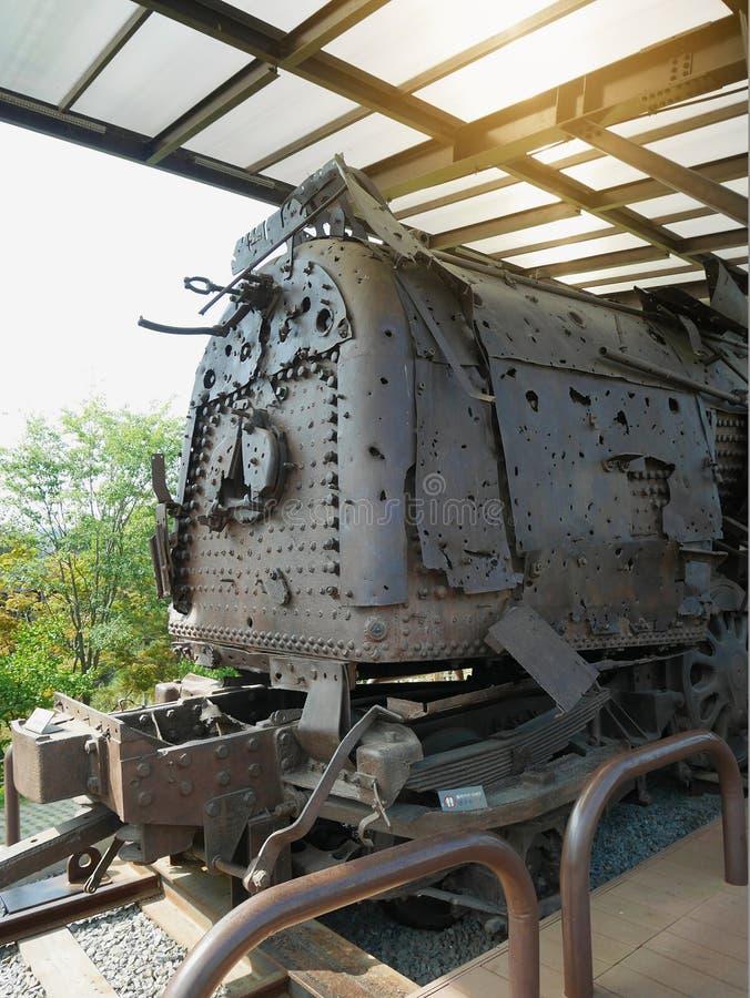 Παλαιά οξυδωμένη ατμομηχανή ατμού από τη γραμμή Gyeongui που χρησιμοποίησε για να τρέξει στη Βόρεια Κορέα στοκ εικόνες με δικαίωμα ελεύθερης χρήσης