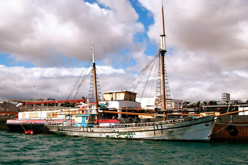 Παλαιά πλέοντας βάρκα στοκ φωτογραφία με δικαίωμα ελεύθερης χρήσης