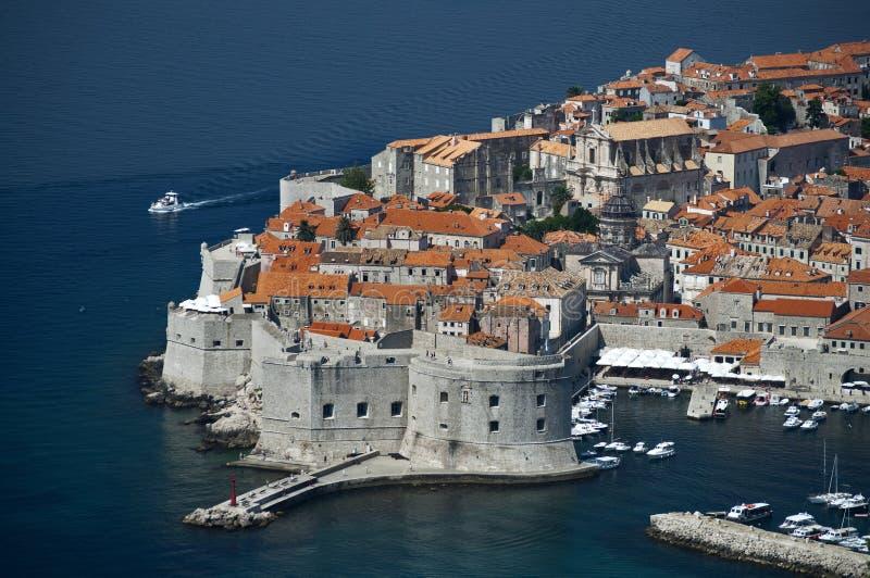Download παλαιά πόλη της Κροατίας Dubrovni Στοκ Εικόνες - εικόνα από motorboat, δαλματία: 22790102