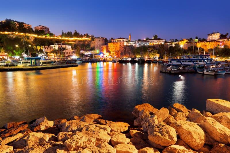 Παλαιά πόλη Kaleici σε Antalya, Τουρκία τη νύχτα στοκ φωτογραφία