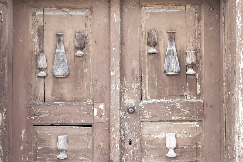 παλαιά πόρτα, κελάρια κρασιού, Villanykovesd, Ουγγαρία στοκ εικόνες