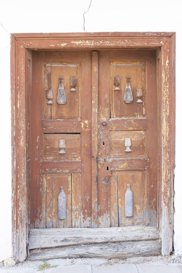 παλαιά πόρτα, κελάρια κρασιού, Villanykovesd, Ουγγαρία στοκ φωτογραφία