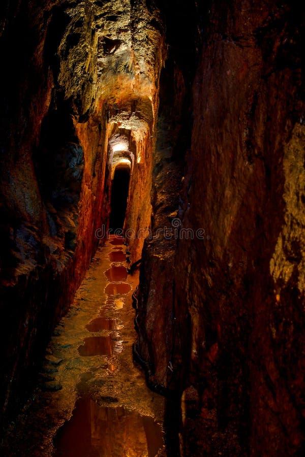 Παλαιά σήραγγα μεταλλείας Ορυχείο Μαυρίκιος κασσίτερου στοκ εικόνες