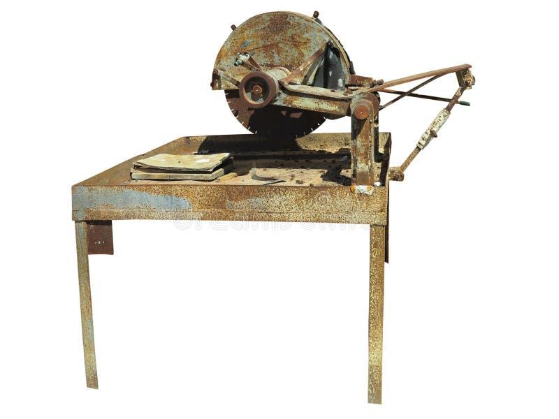 Παλαιά σκουριασμένη τέμνουσα μηχανή πετρών που απομονώνεται πέρα από το άσπρο υπόβαθρο στοκ εικόνες με δικαίωμα ελεύθερης χρήσης
