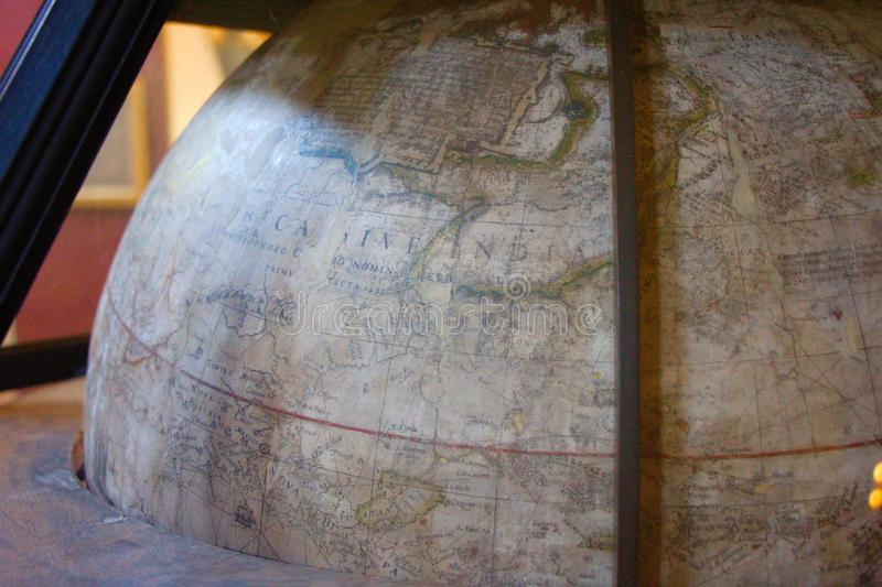 Παλαιά σφαίρα Παγκόσμιος χάρτης Λεπτομέρεια στοκ φωτογραφίες