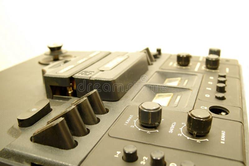 Download παλαιά ταινία 2 γεφυρών στοκ εικόνα. εικόνα από ήχος, μετρητές - 59573