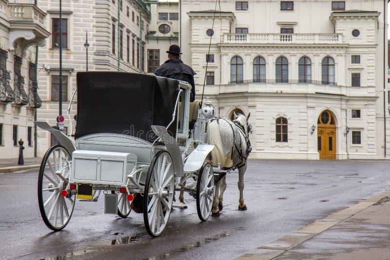 Παλαιά τουριστική έλξη μεταφορών στη Βιέννη, Αυστρία στοκ φωτογραφία με δικαίωμα ελεύθερης χρήσης