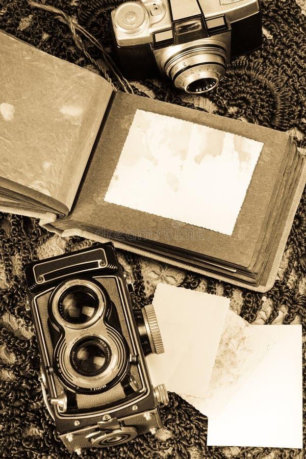 παλαιά φωτογραφία λευκωμάτων στοκ εικόνες με δικαίωμα ελεύθερης χρήσης