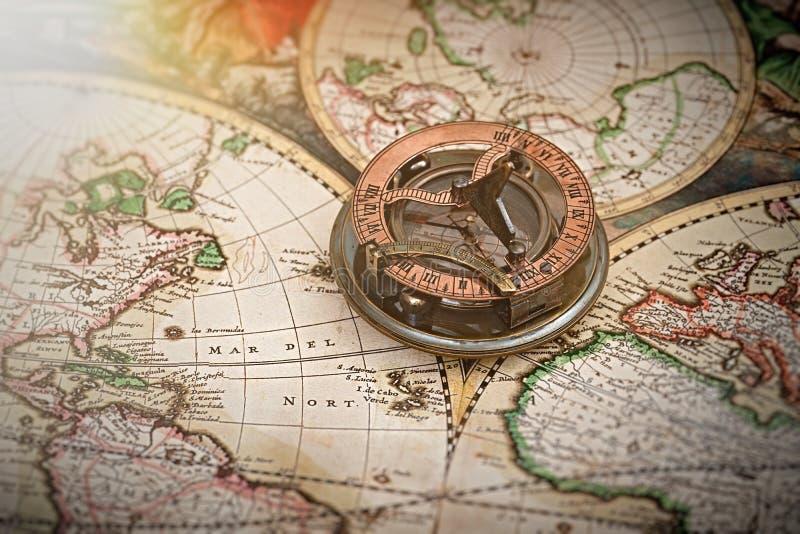Παλαιά χάρτης, πυξίδα, ναυσιπλοΐα και γεωγραφία στοκ εικόνες με δικαίωμα ελεύθερης χρήσης